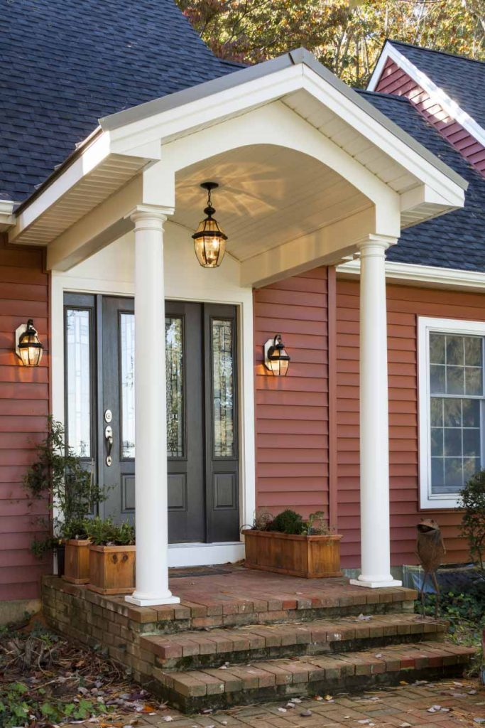 Vinyl siding and entryway