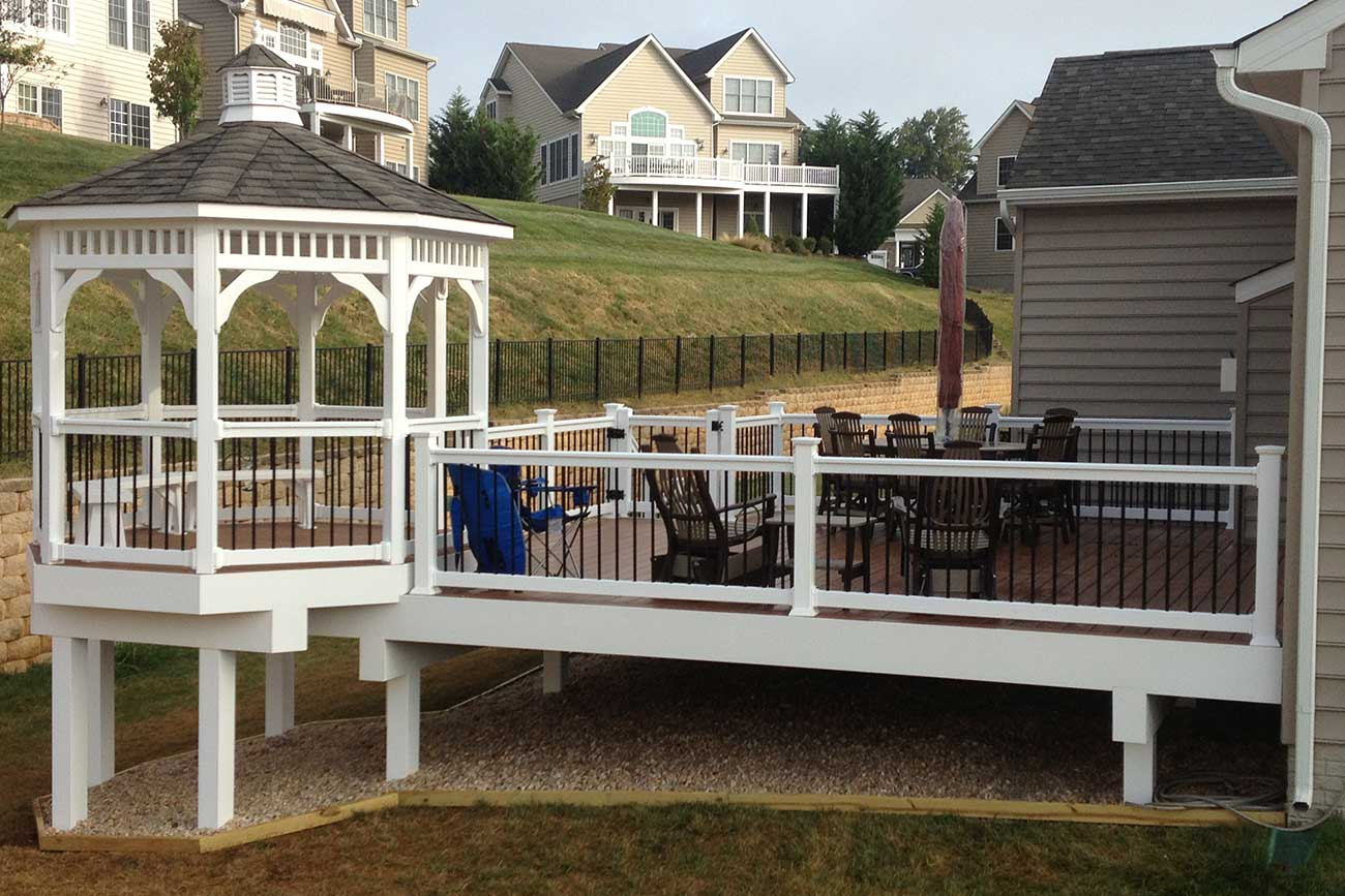 Custom deck and gazebo in harford county md t w ellis for Built in gazebo