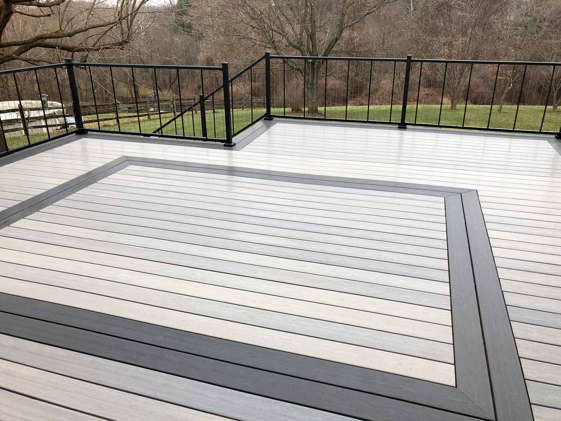 Composite deck with wire railing