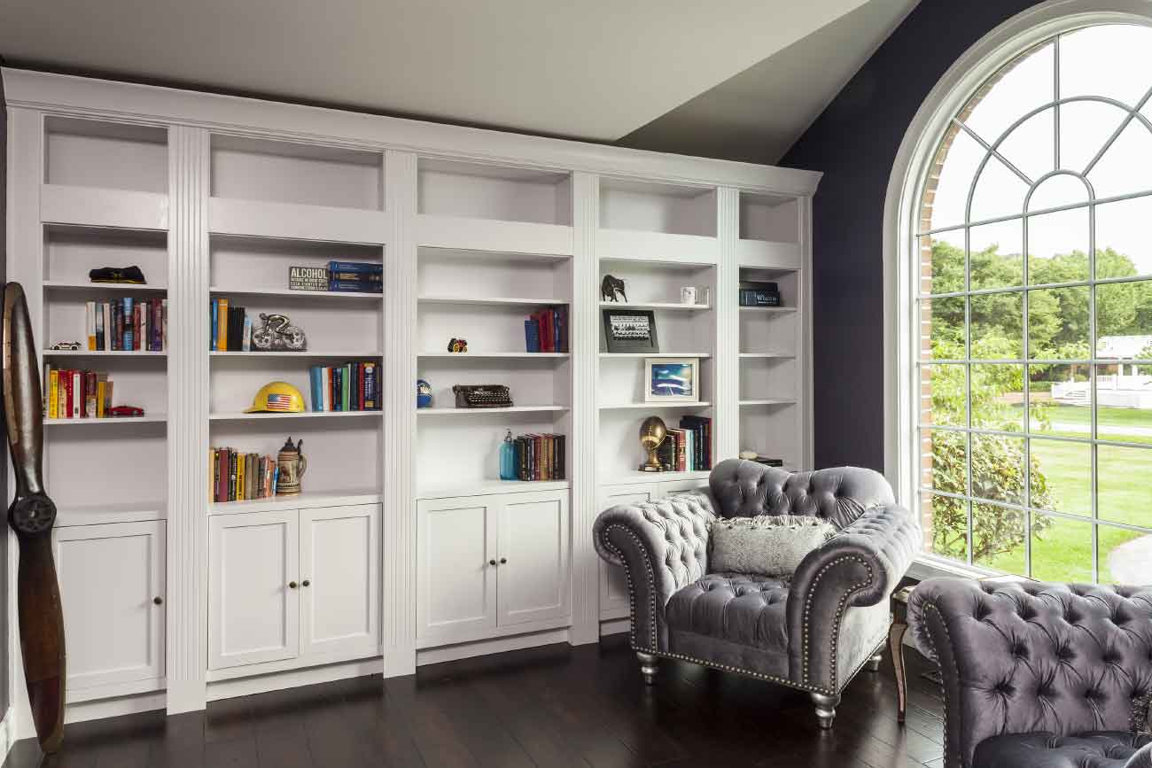Library with floor to ceiling bookcases