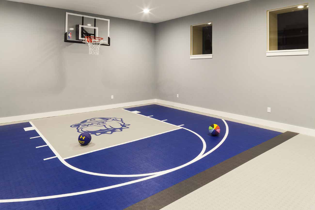 Personal indoor basketball court